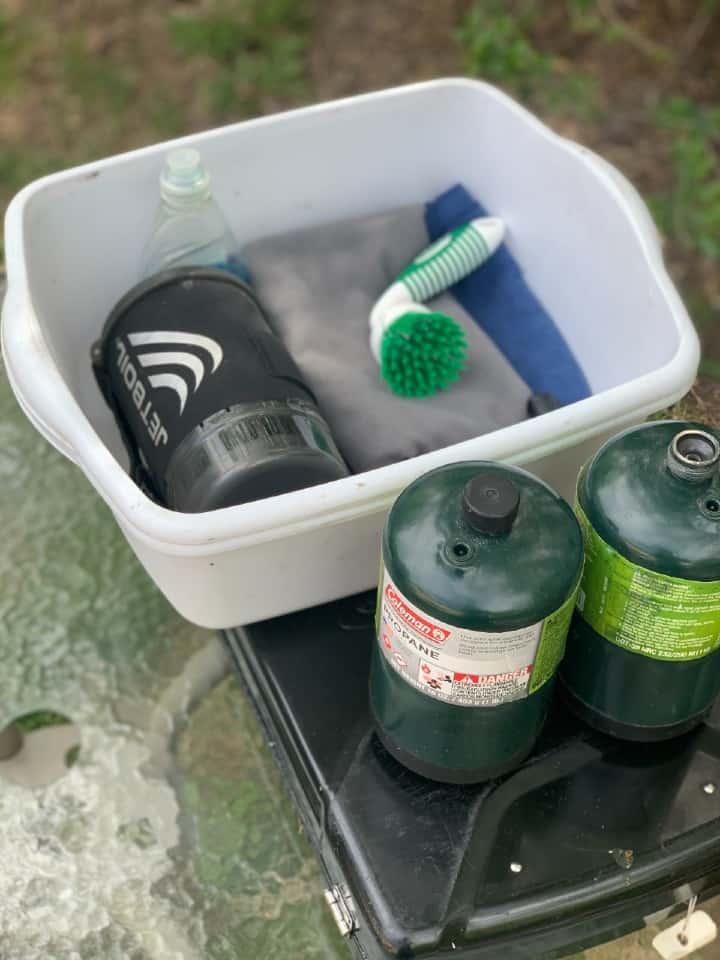 dishbins towels and propane