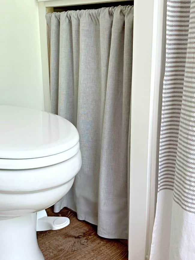 no sew RV curtain in bathroom